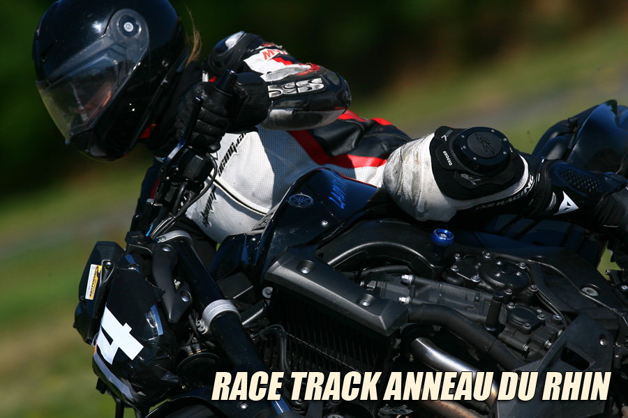 Yamaha FZ-1 on Track